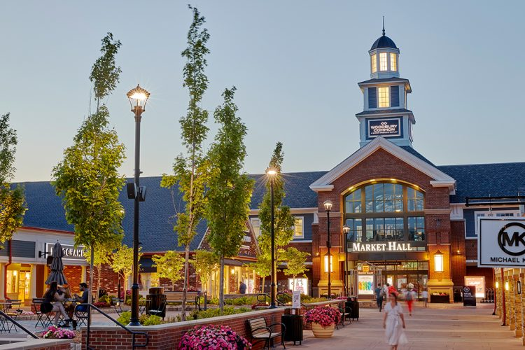Woodbury_Outlets_ok1