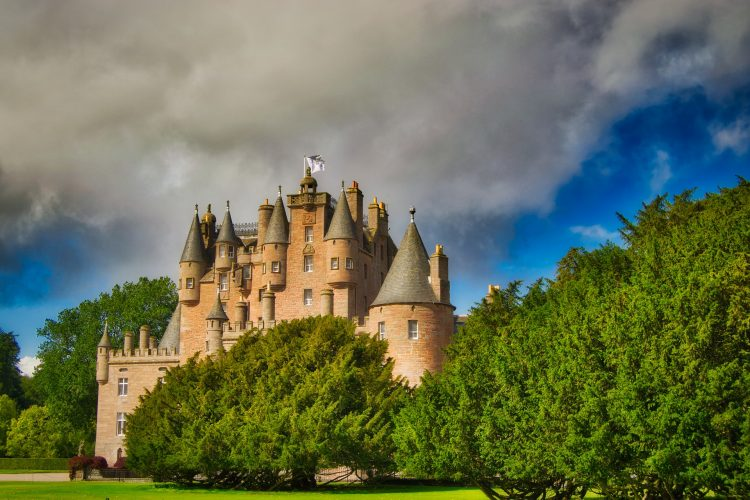 castle-3793658_1920