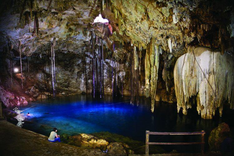 chichen_itza_valladolid_cenote_sagrado_ok1