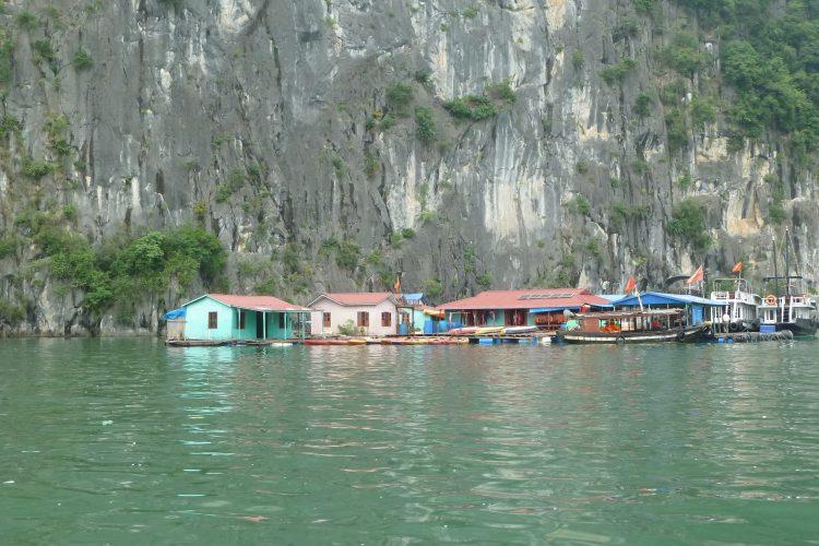 pueblo-pescadores-ha-long