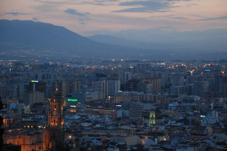 Málaga al anochecer 1