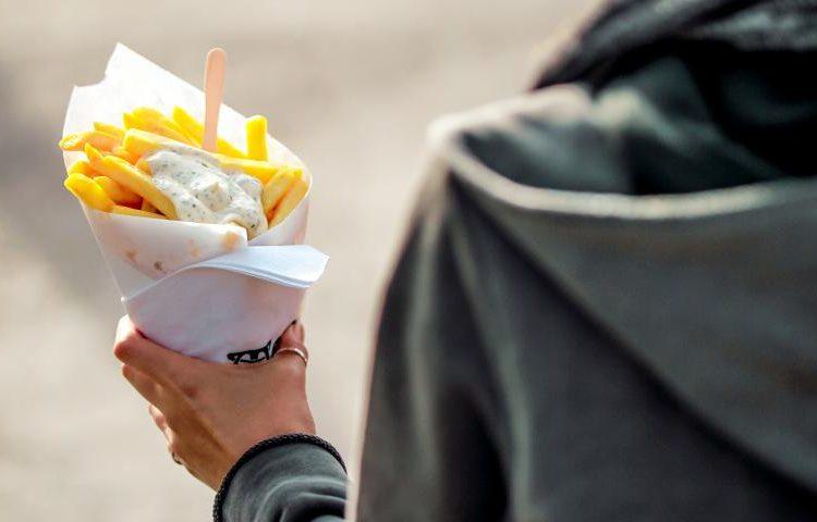 brujas-actividad-free-tour-gastronomico-frites_0