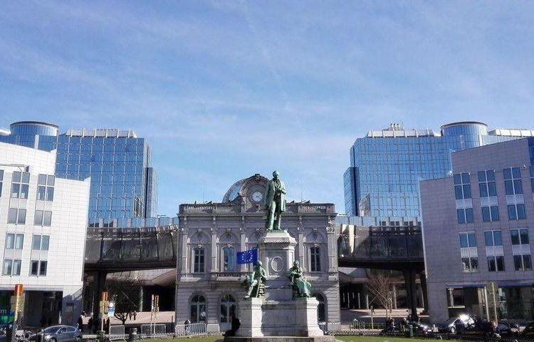 plaza-luxemburgo-bruselas
