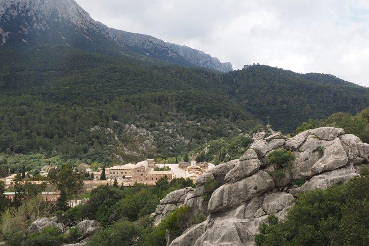 santuari-de-lluc-1090338_1280